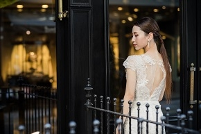 女性がときめく要素あふれるMarchesa(マルケーザ)のドレスを店頭で【JUNO天神本店】