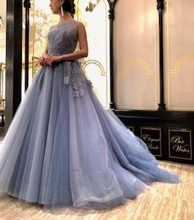 光の当たり方でドレスの色が変わる!「Leaf for Brides(リーフフォーブライズ)」新作カラードレス