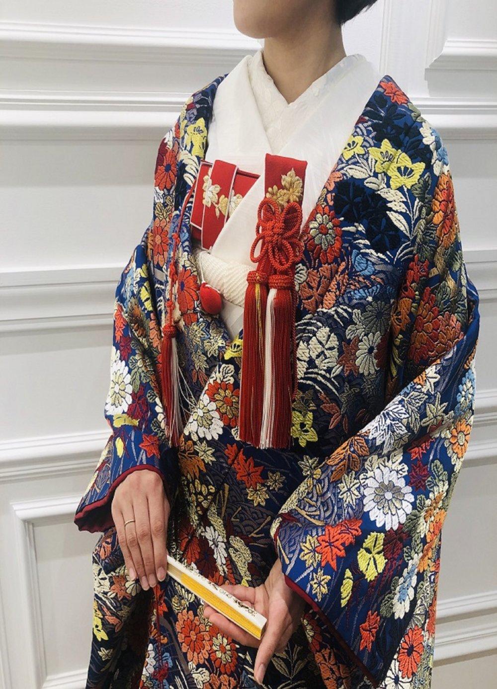 青色の唐織打掛で特別感あふれる和装styleのご提案(JUNO小倉店のみお取り扱い色打掛)
