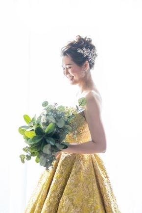 JUNOが提案するオリジナルのカラードレスでスタイリッシュな花嫁様に