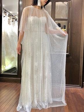 NAEEMKHAN(ナイ-ム・カーン)の新作ドレスで自分だけのブライズスタイルを(JUNO恵比寿店)