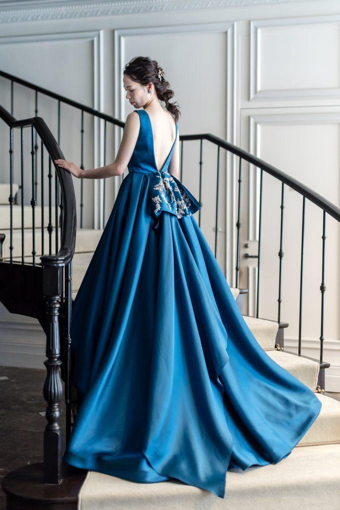 バッグスタイルで魅了するLeaf for brides(リーフフォーブライズ)のカラードレス
