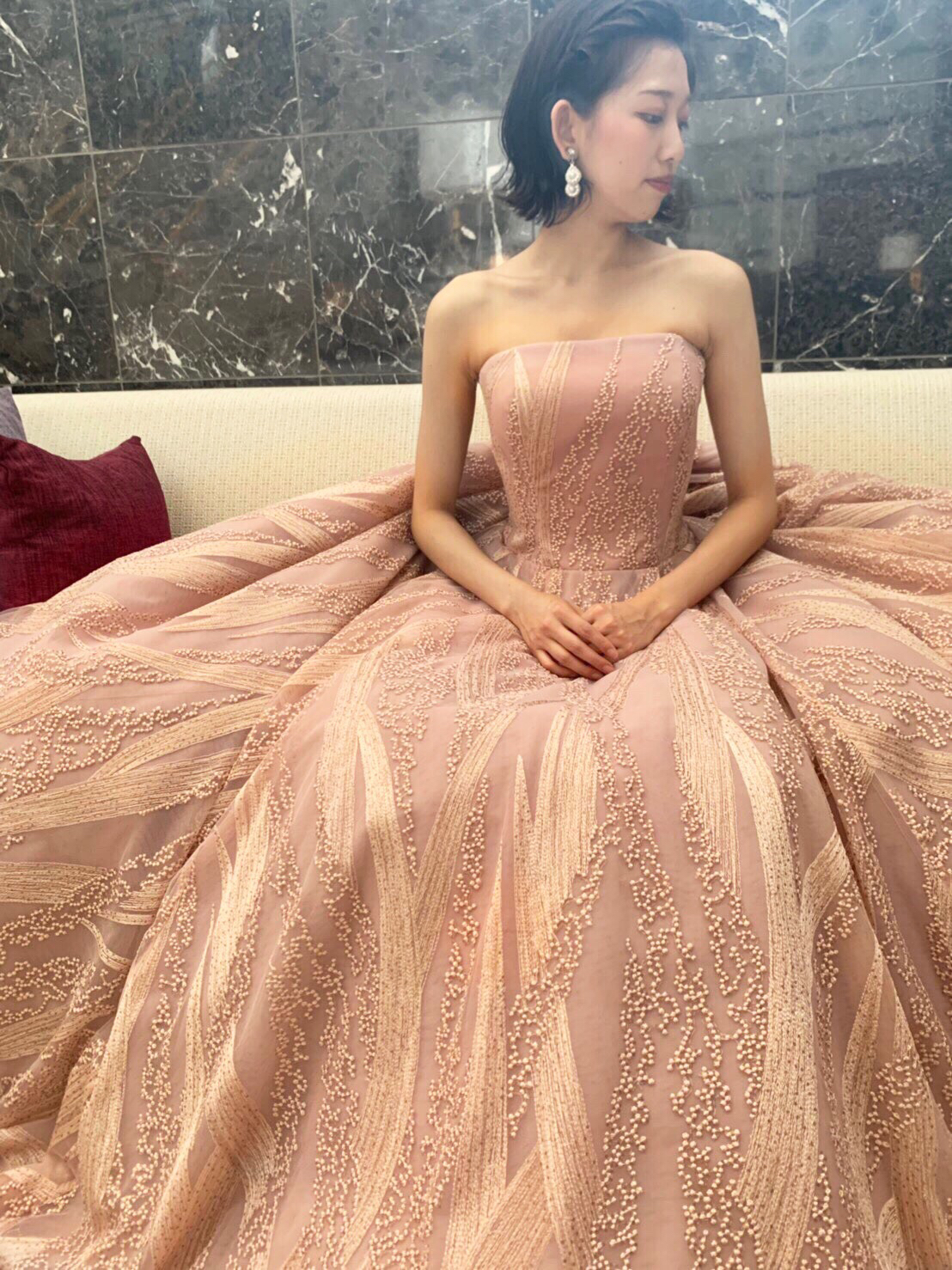 淡いピンクのドレスでゲストの心を暖かくおもてなす アットホームなパーティーウエディング