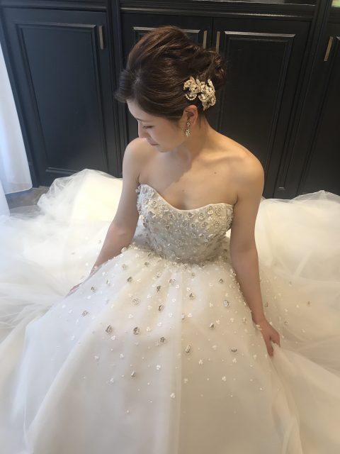 柔らかで可愛らしいISABELLE ARMSTORONGのウエディングドレスで叶えるナチュラルウエディング