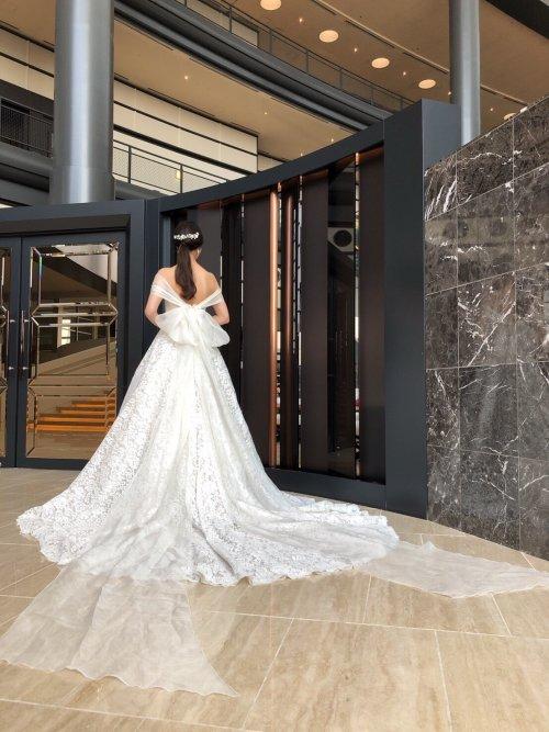RIVINI[リヴィニ]のドレスで叶える大人フェミニンスタイル(JUNOシーホーク店)