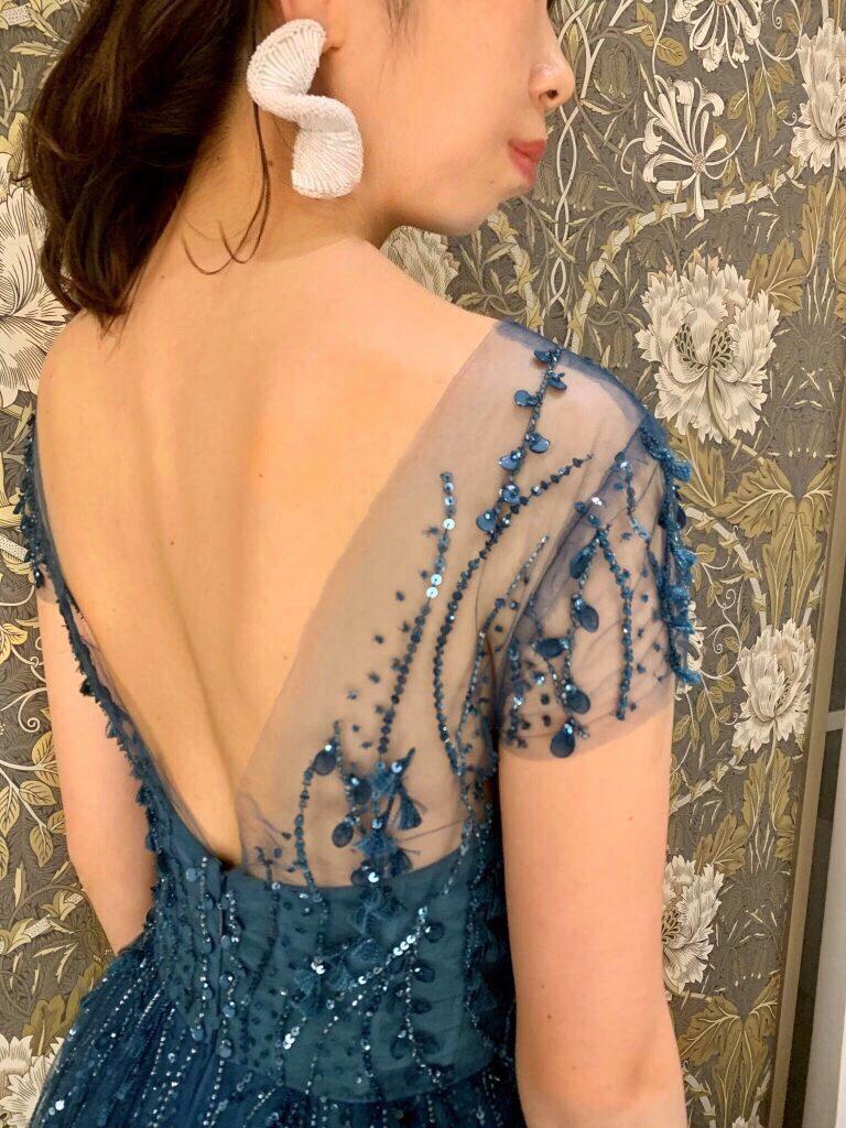 KENNETH POOL(ケネスプール)の新作ドレスで叶えるスタイリッシュなパーティースタイル