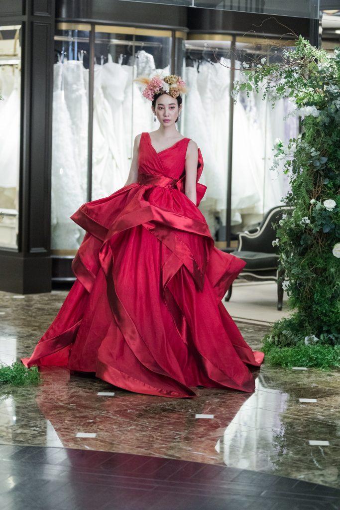 特別感溢れるANTONIO RIVA(アントニオ リーヴァ)のカラードレスでエレガントなWeddingを