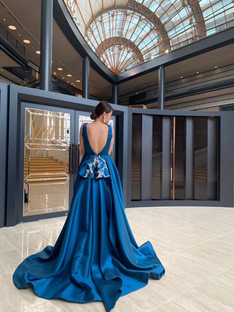大人のホテルウェディングにおすすめLeaf for brides(リーフフォーブライズ)のカラードレス