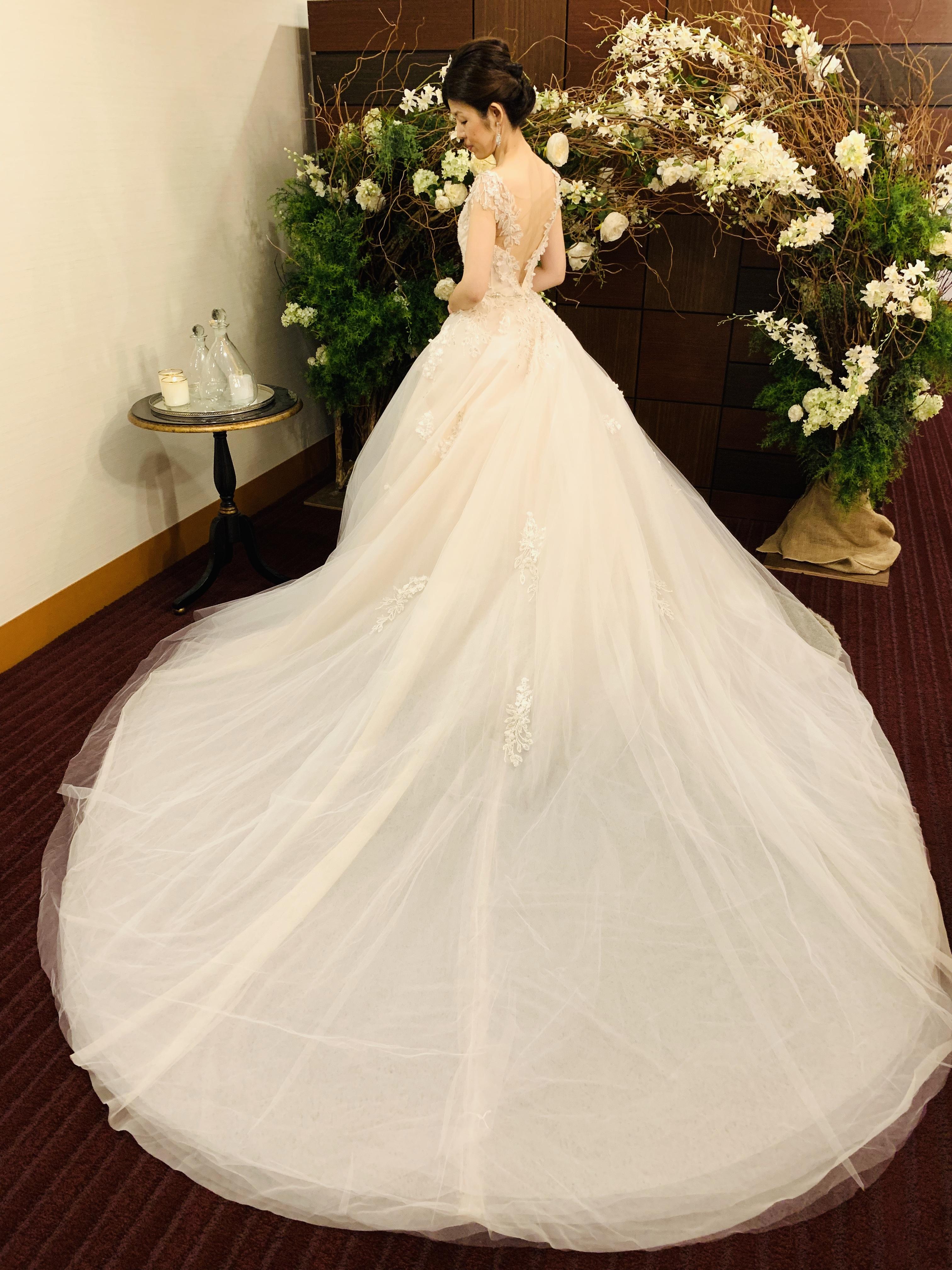 INES DI SANTO(イネスディサント)を身に纏いワンランク上のフェミニンな花嫁様へ
