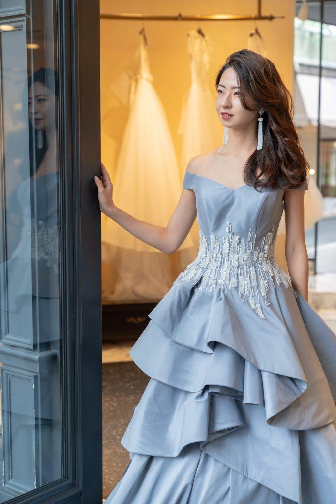 JUNO Original color dressでエレガントでモダンなパーティースタイルに