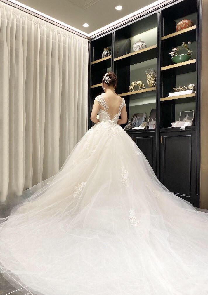 憧れの王道クラシカルスタイルを叶えるINES DI SANTOの新作ドレスのご紹介