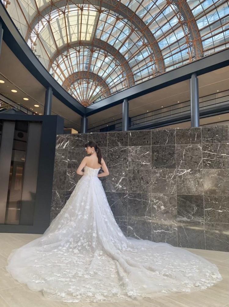 MARCHESA(マルケーザ)のドレスでロマンティックな大人ウエディングを