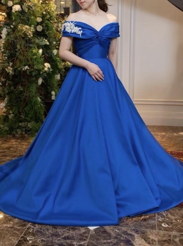 ロイヤルブルーが上品な JUNOオリジナルカラードレス
