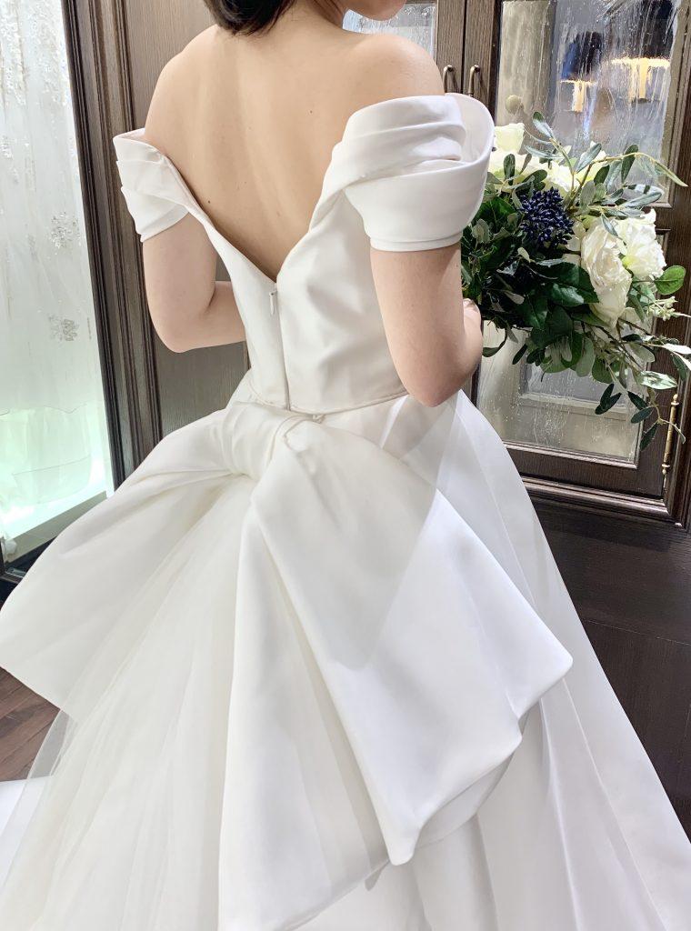 新作のMARCHESA(マルケーザ)のドレスで大人花嫁様の王道ウェディングを