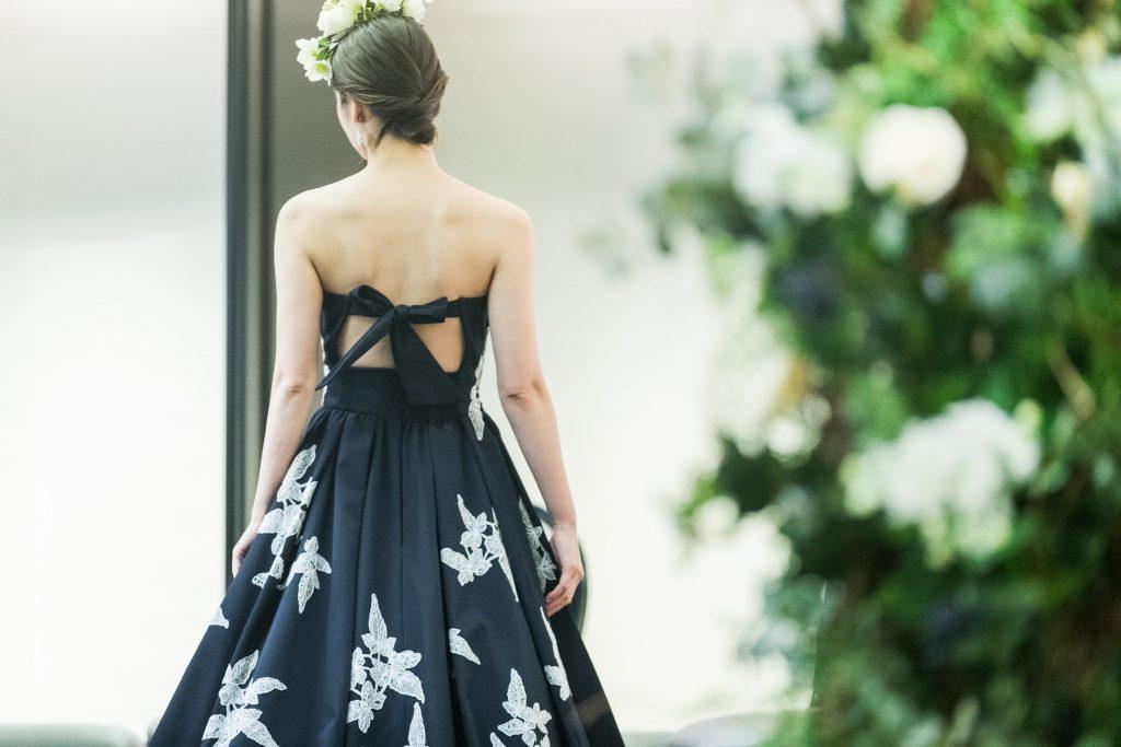 JUNOオリジナルドレスで叶えるフェミニンスタイル