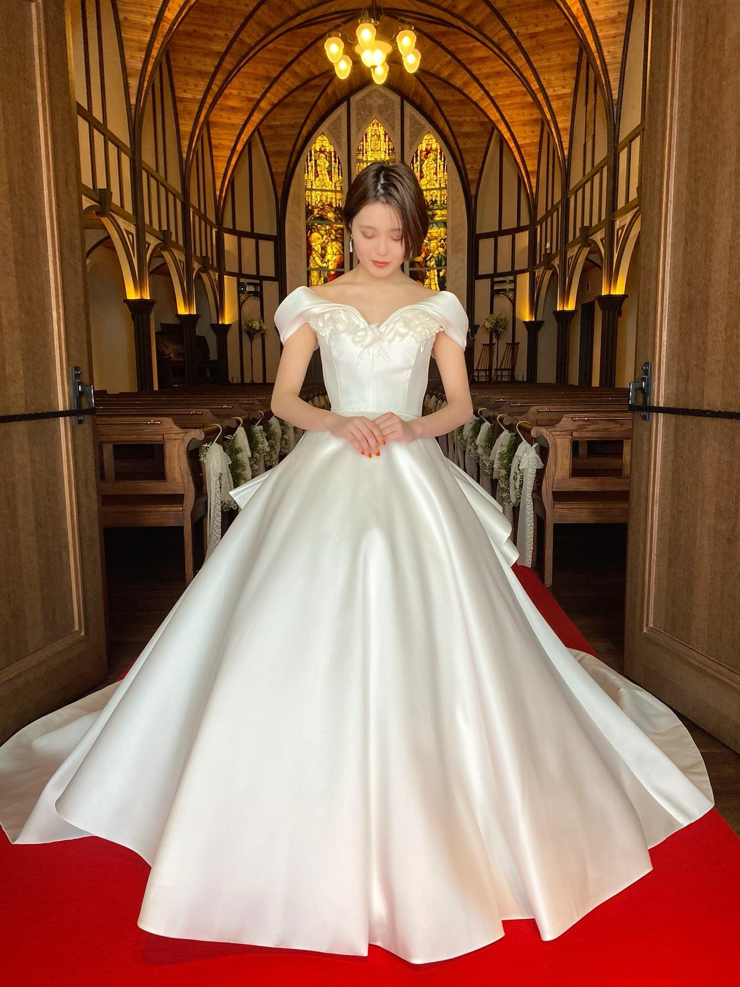 Marchesa(マルケーザ)のドレスで叶えるエレガントな挙式スタイル