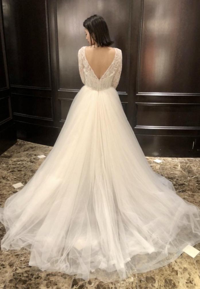 KENNETH POOL(ケネスプール)のドレスで叶える クラシックなブライズスタイル