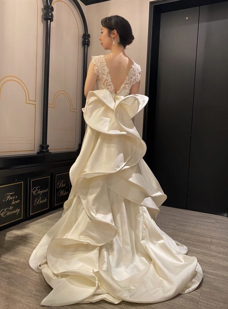 ANTONIO RIVA(アントニオ・リーヴァ)のクラシックなドレスで特別な一日を