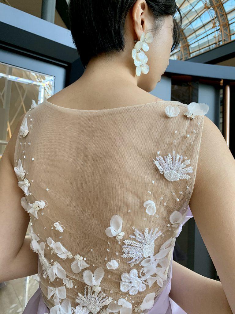 JUNO Original ラベンダーのカラードレスで透明感のあるフェミニンな花嫁に