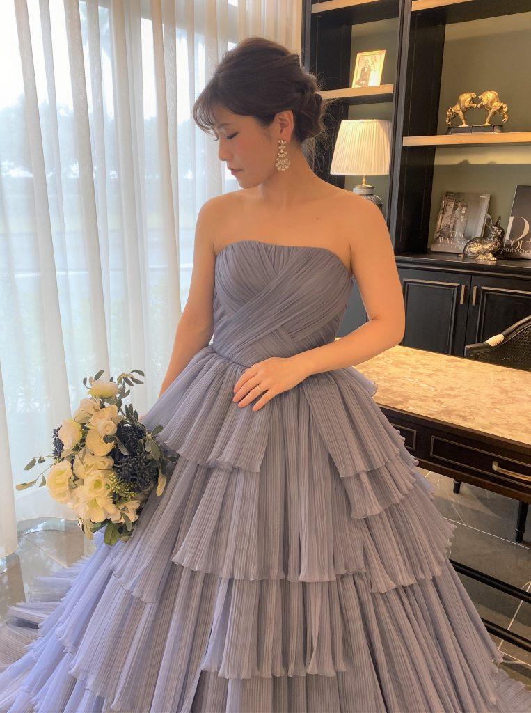 ブルーのJUNO Original Color Dressでシンプルで上質なパーティーを