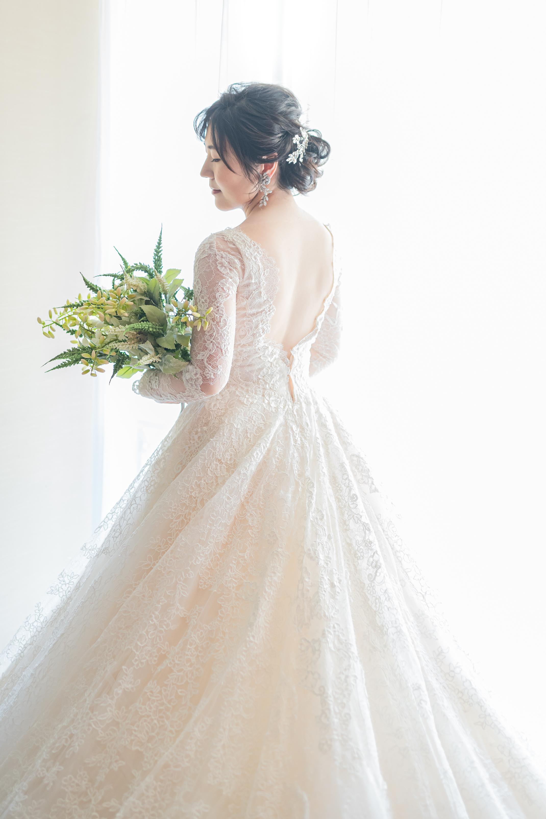 ロングトレーンが人気のINES DI SANTO(イネスディサント)のエレガントなウエディングドレス