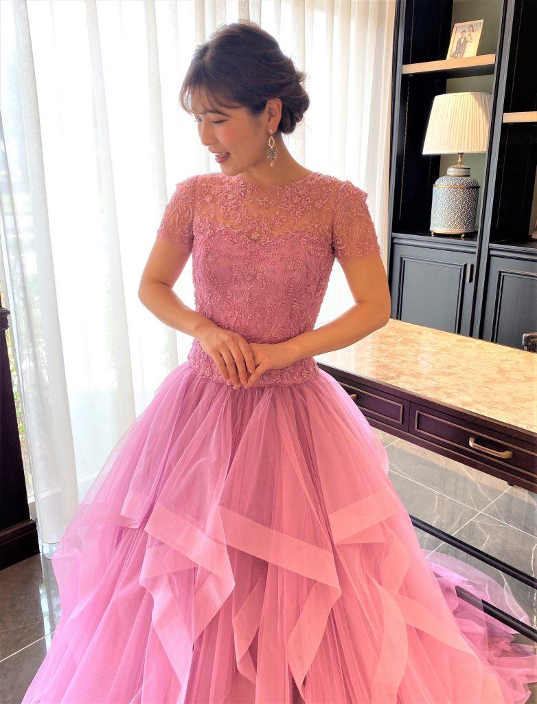 KENNETHPOOL(ケネスプール)のカラードレスで叶えるワンランク上のブライズスタイル