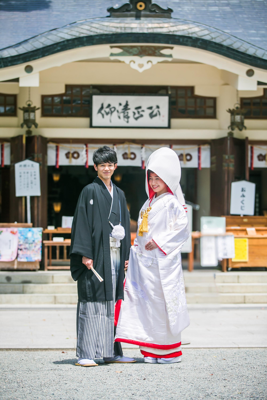結婚式を諦めず、お二人のみでも可能な神社挙式プラン