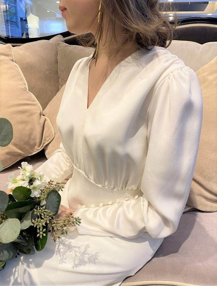 LENA MEDOYEFF(レナ・メドエフ)のシンプル&クリーンなドレスのご紹介